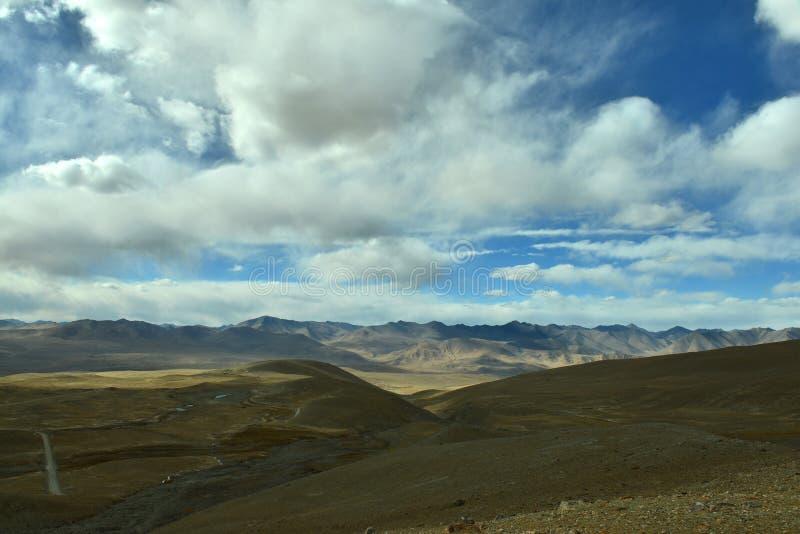 Höstlandskap av Pamirs royaltyfri foto