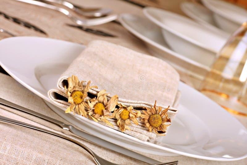 höstlig äta middag tabell fotografering för bildbyråer