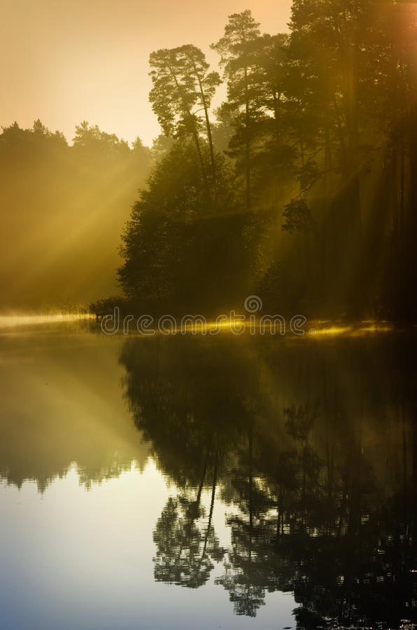 Download Höstmist av ottan fotografering för bildbyråer. Bild av brigham - 27287861