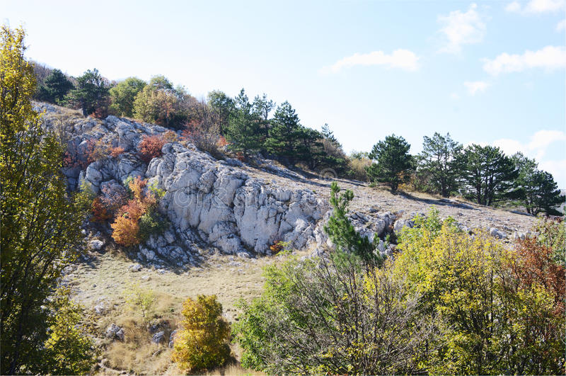 Höstsikt av denPetri platån, Krim royaltyfria bilder