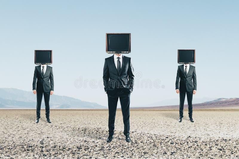 Hövdade män för TV royaltyfri foto