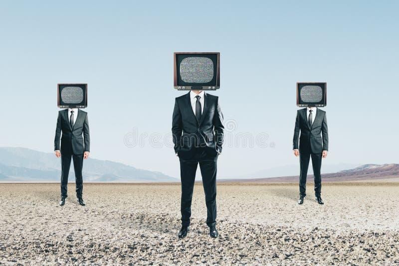 Hövdat folk för TV royaltyfri fotografi