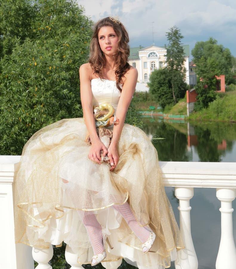 Hübsche Prinzessinträume von Zukunft lizenzfreies stockfoto