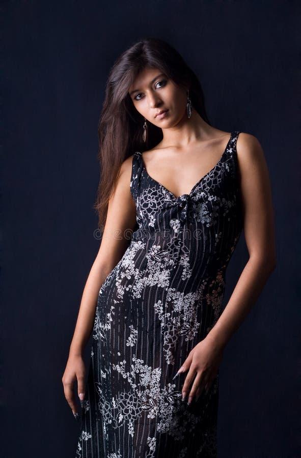 Hübscher Brunette stockfoto