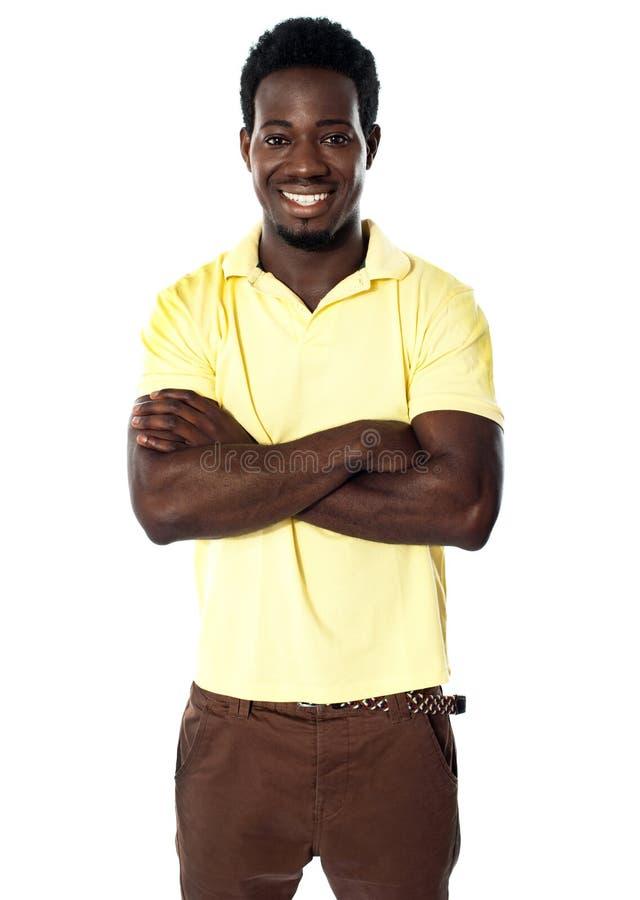 Hübscher junger afrikanischer Mann stockfoto