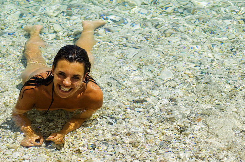 Hübscher Mädchen-Strand lizenzfreie stockfotografie