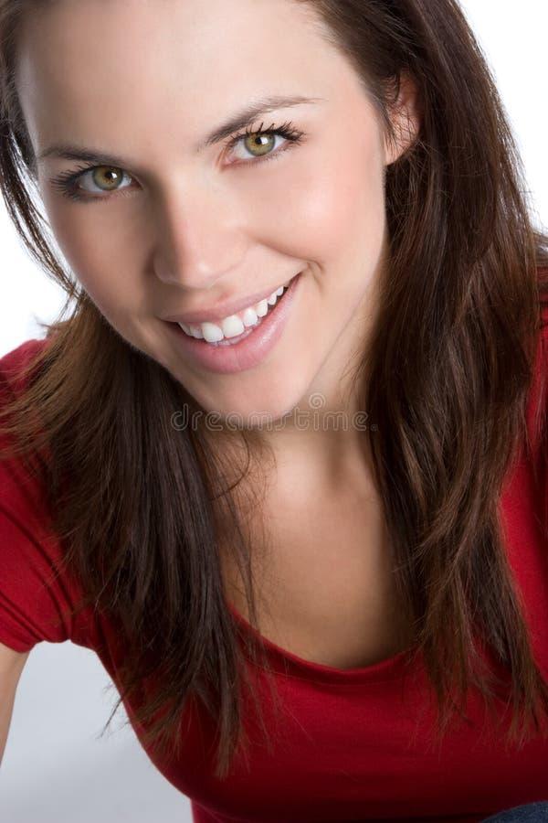 Hübsches lächelndes Mädchen lizenzfreies stockfoto