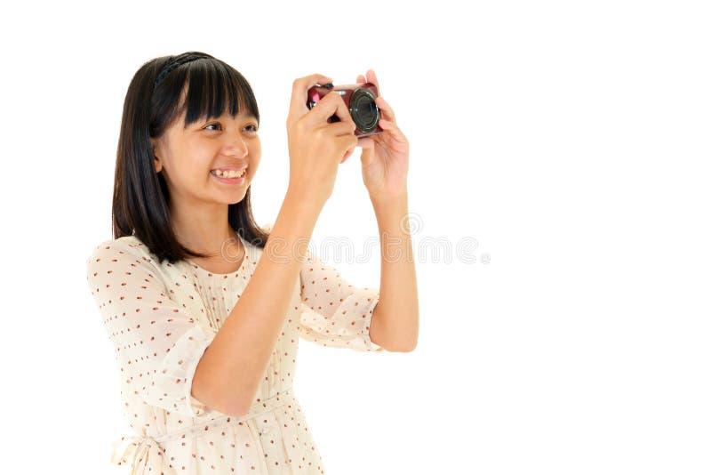 Hübsches Mädchen, das Foto bildet stockbilder