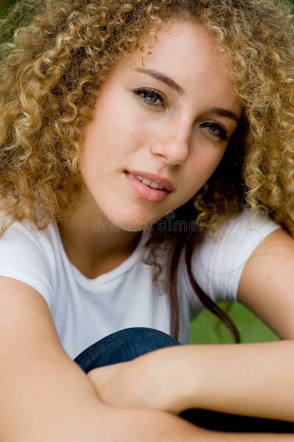 Hübsches Mädchen Draußen Lizenzfreies Stockbild
