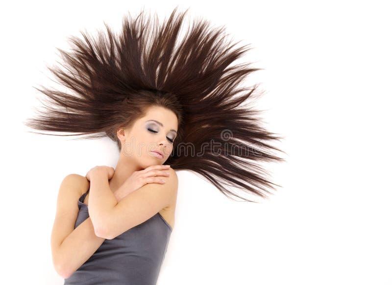Hübsches Mädchen mit dem langen Haar lizenzfreies stockfoto