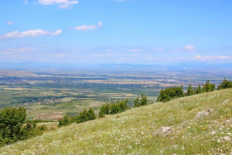 Hügel von Mittel-Bulgarien stockfotografie