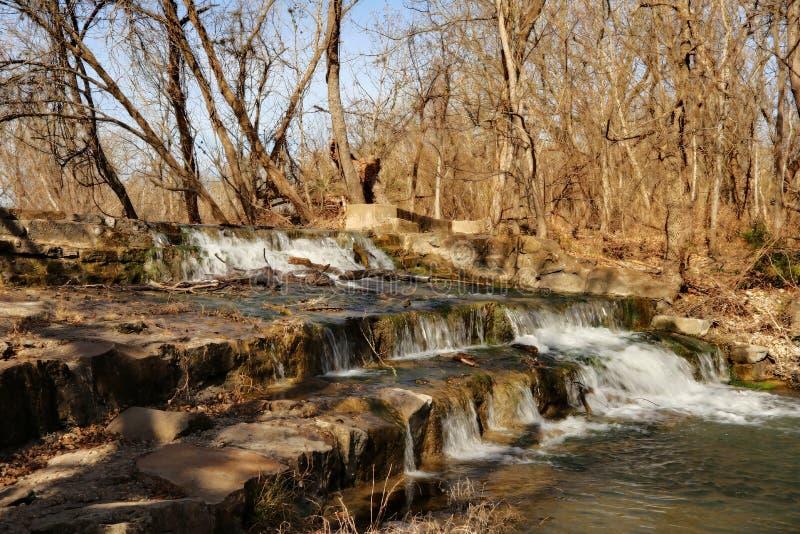 Hügelland Texas Waterfall lizenzfreies stockbild