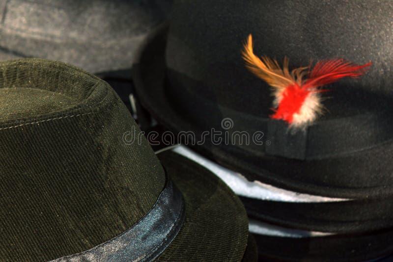 hüte headdresses Verkauf von Hüten lizenzfreie stockfotos