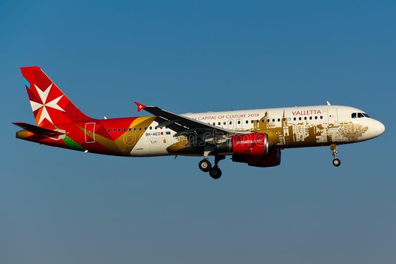 9h-AEO de Luchtbus van Luchtmalta A320 stock afbeelding