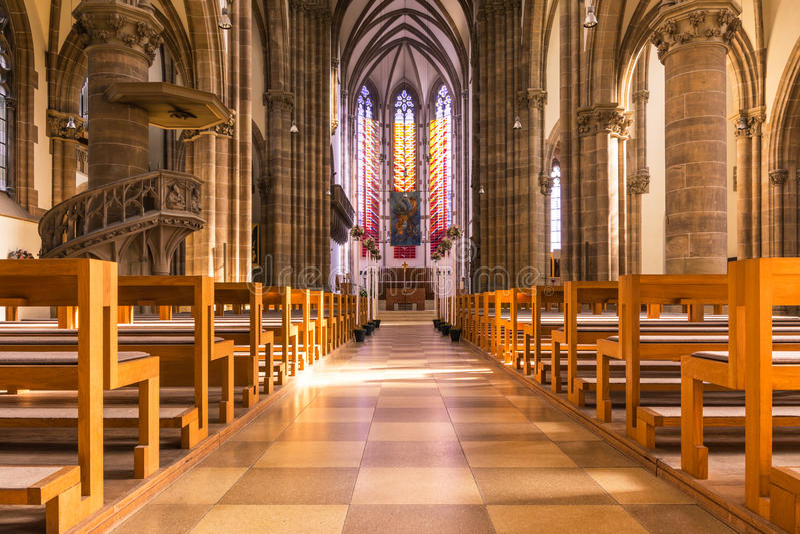 H för bänkar för helgonPaul Church Cathedral Architecture Interior kyrkbänkar royaltyfri fotografi