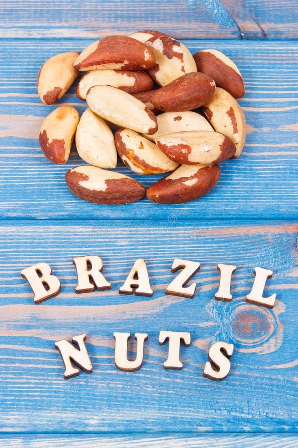 H?g av Brasilien muttrar som inneh?ller det naturliga mineraler och vitaminet, v?rd- n?ring royaltyfria foton