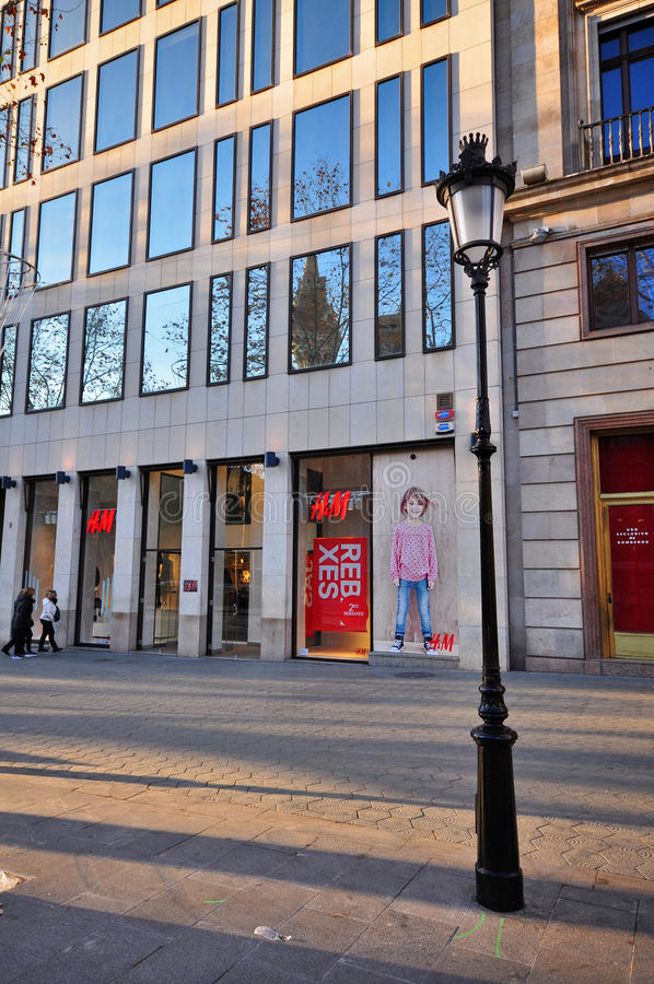H&M-lager, Barcelona arkivbild
