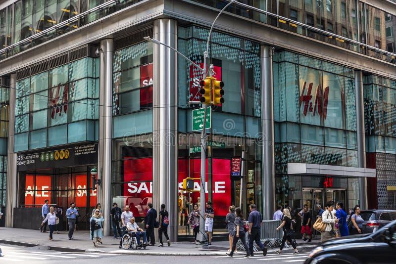 H&M-lager i New York City, USA royaltyfria bilder