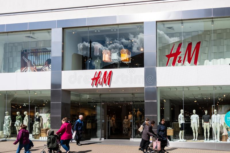 H&M Store Frontage imagens de stock royalty free