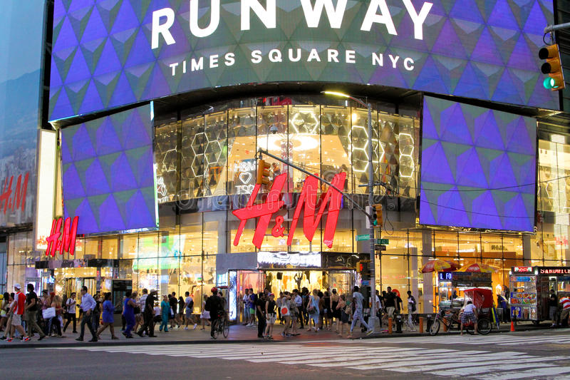 H&M, Times Square, NYC. editorial image. Image of ...