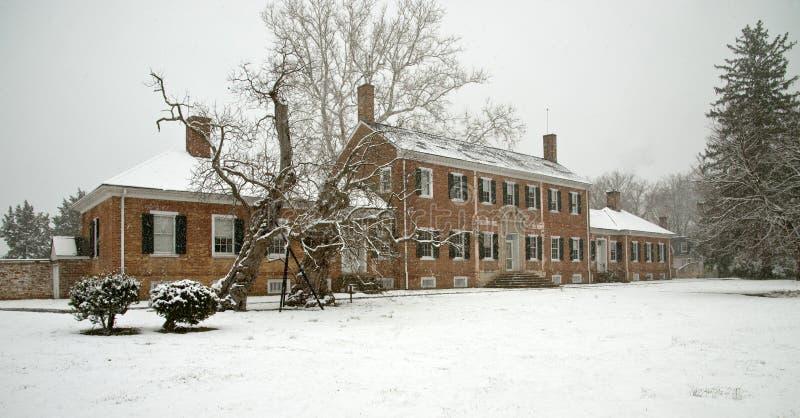 Hôpital de guerre civile dans la neige images libres de droits