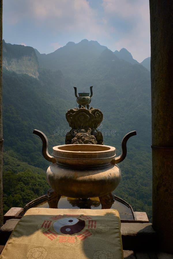 H?rlig arkitektur i den forntida Wudang templet, WudangShan royaltyfri foto