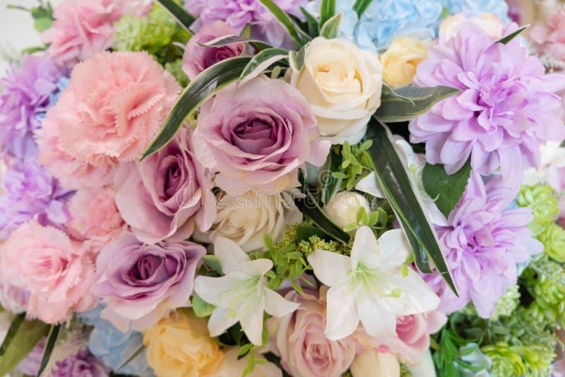 H?rlig f?rgrik bukett av blommor royaltyfri foto