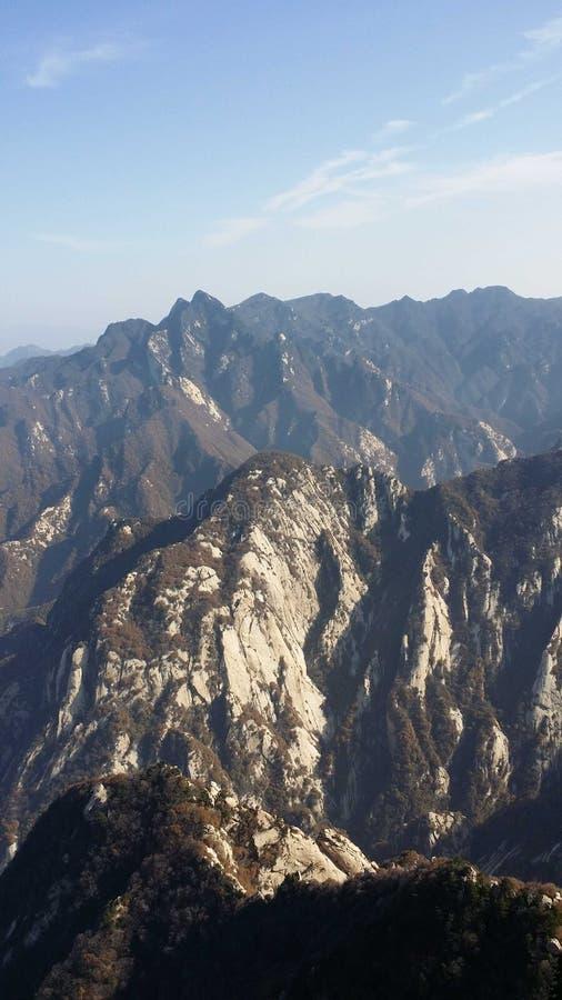 H?rlig sikt av det Huashan bergmaximumet royaltyfria foton