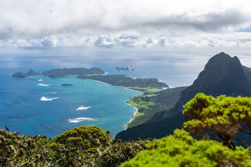 H?rlig sikt fr?n toppm?tet av monteringen Gower 875 meter ovanf?r havsniv?n, h?gst punkt p? Lord Howe Island arkivfoto