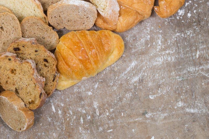 H?rnchen und Brot lizenzfreie stockbilder