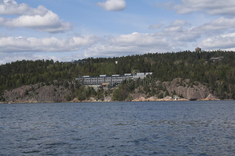 Hôtel avec des vues de lac photographie stock libre de droits