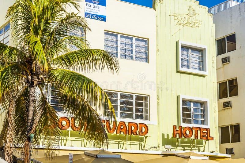 Hôtel de boulevard à la commande d'océan image libre de droits