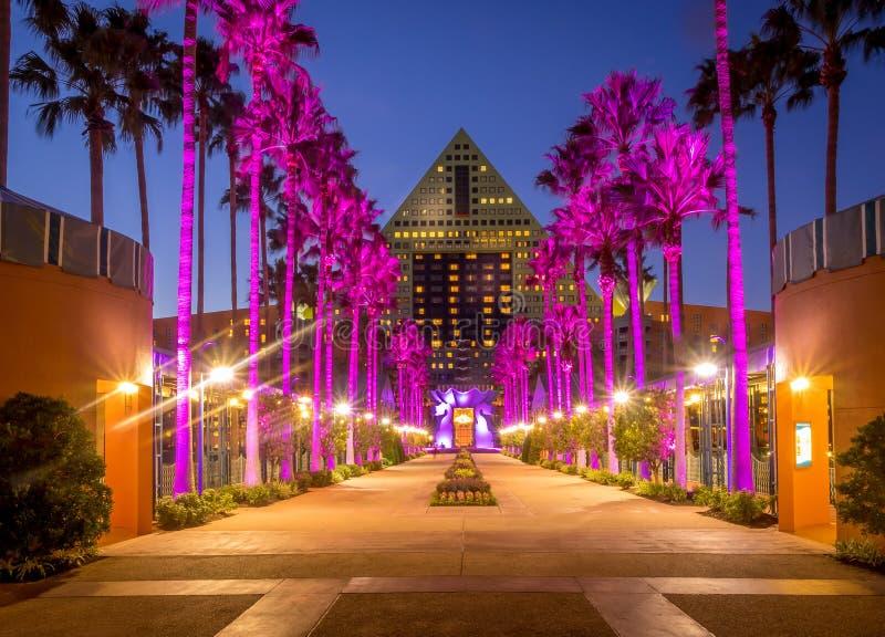 Hôtel de cygne et de dauphin, monde de Disney photographie stock