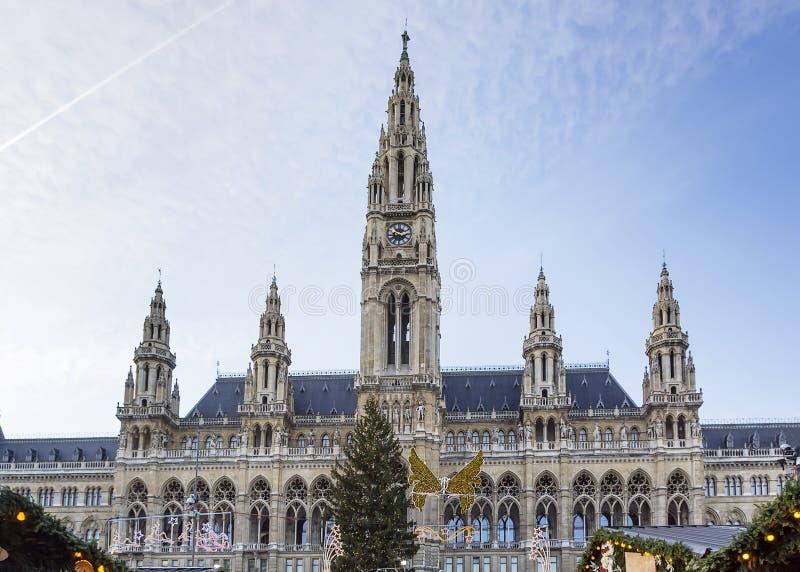 H tel de ville de vienne autriche image stock image du - Piscine de la riche tours ...