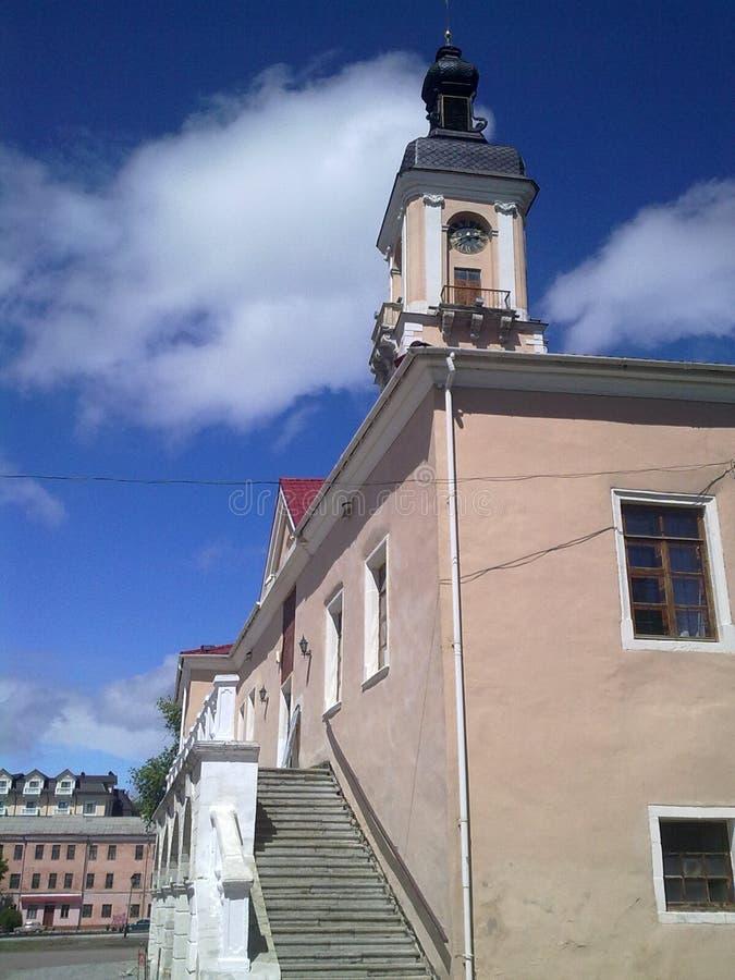 Hôtel de ville, Kamenets-Podolskiy, Ukraine photographie stock libre de droits