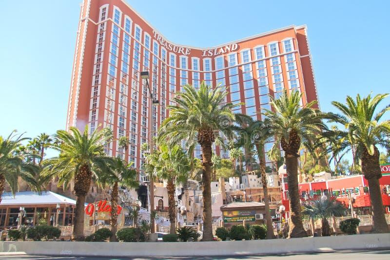 Hôtel et casino d'île de trésor à Las Vegas images stock