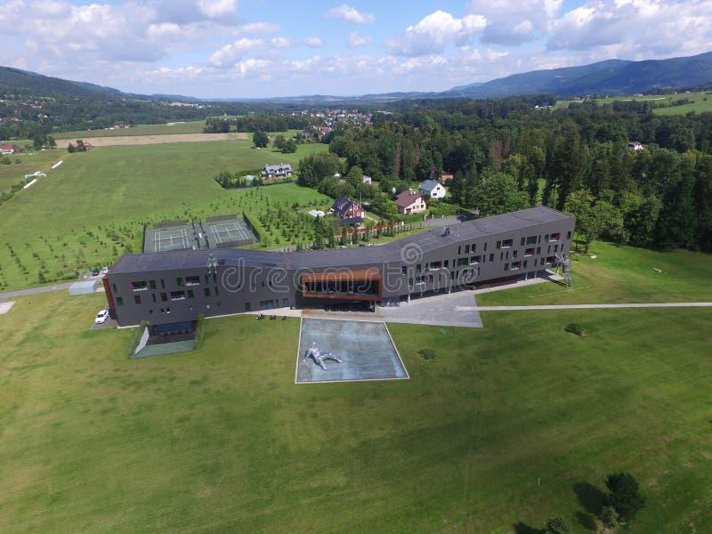 Hôtel moderne sur le golf photo stock