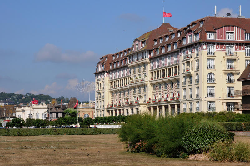 Hôtel royal pittoresque de Barriere à Deauville dans Normand photo libre de droits