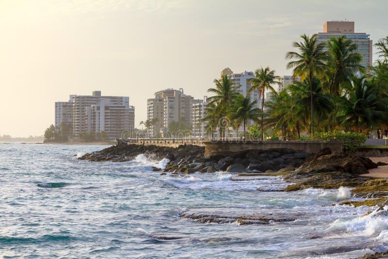 Hôtels de plage de San Juan image libre de droits