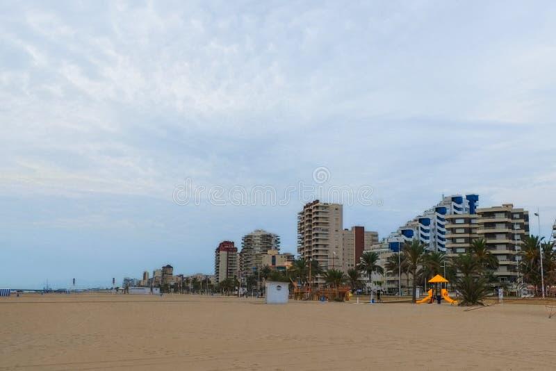 Hôtels sur la côte de l'Espagne Gandie photographie stock libre de droits