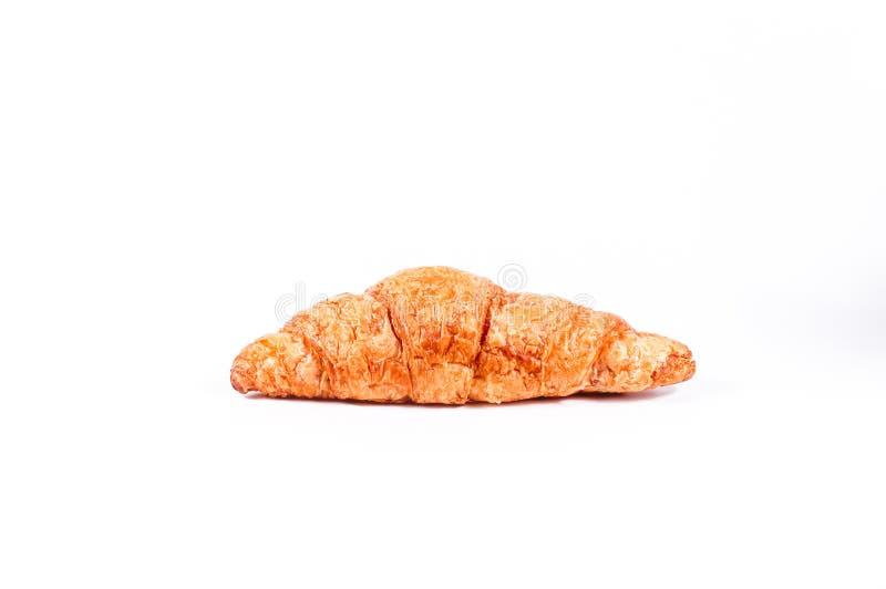 Ha cotto di recente i croissant freschi e saporiti del croissant, isolati su un fondo bianco fotografie stock libere da diritti