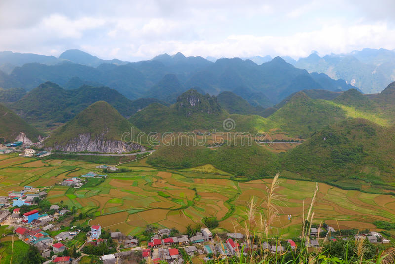 Ha Giang loop, Yen Minh, Northern Vietnam. The bra-shaped mountains surrounding Yen Minh town which you pass during the loop, Ha Giang Province, Northern Vietnam stock images