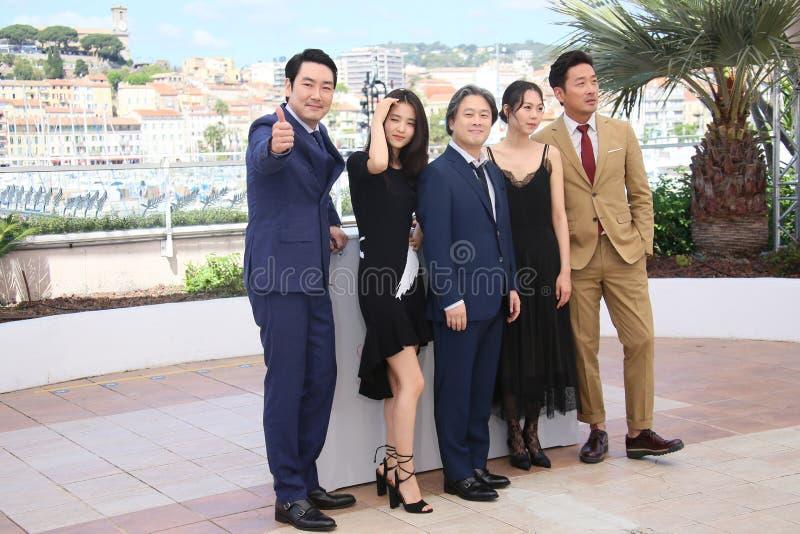 Ha Jung-сватают, минута-Hee Ким актрисы, директор Park Chan-wook, Ким Tae-Ri, Cho jin-Woon, стоковые изображения rf