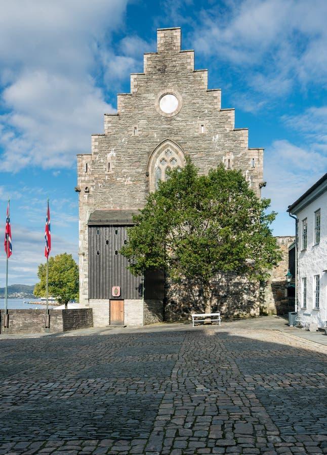 Haakons Salão dentro da fortaleza de Bergenhus em Bergen fotos de stock royalty free