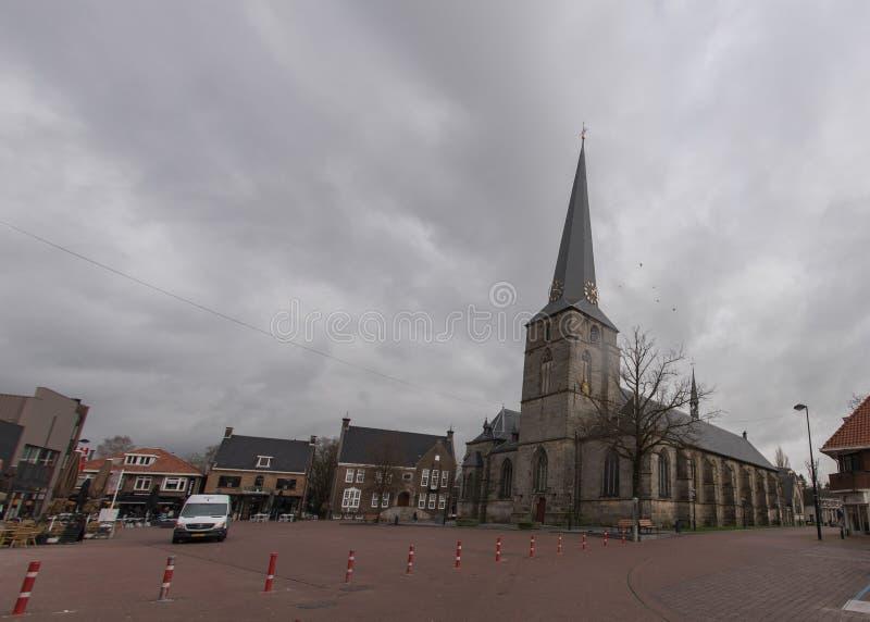 Haaksbergen贫民区与pancratius教会的 库存照片