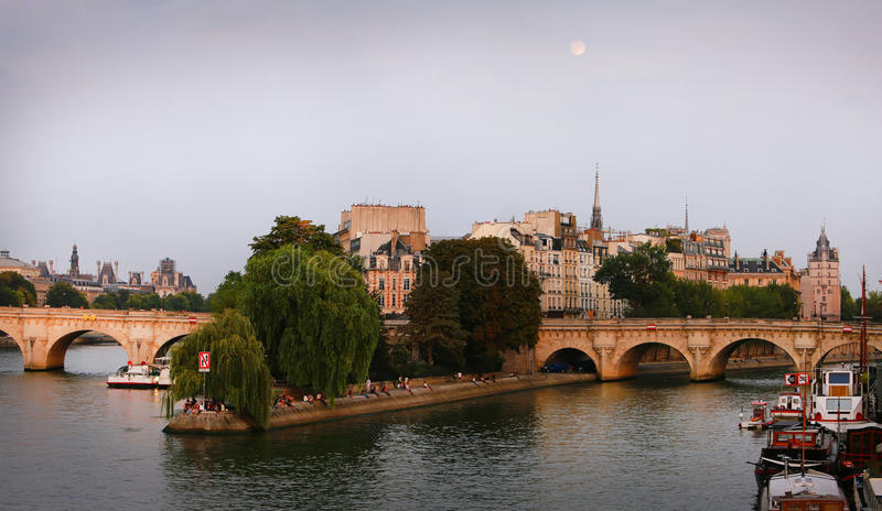 Haal eiland in Parijs aan royalty-vrije stock afbeelding