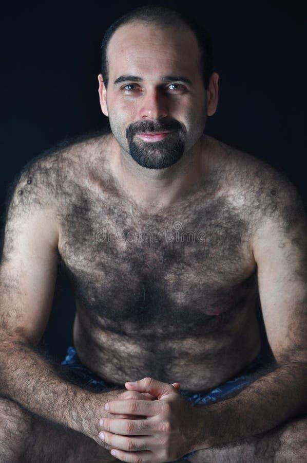 Haariger Mann lizenzfreie stockfotografie