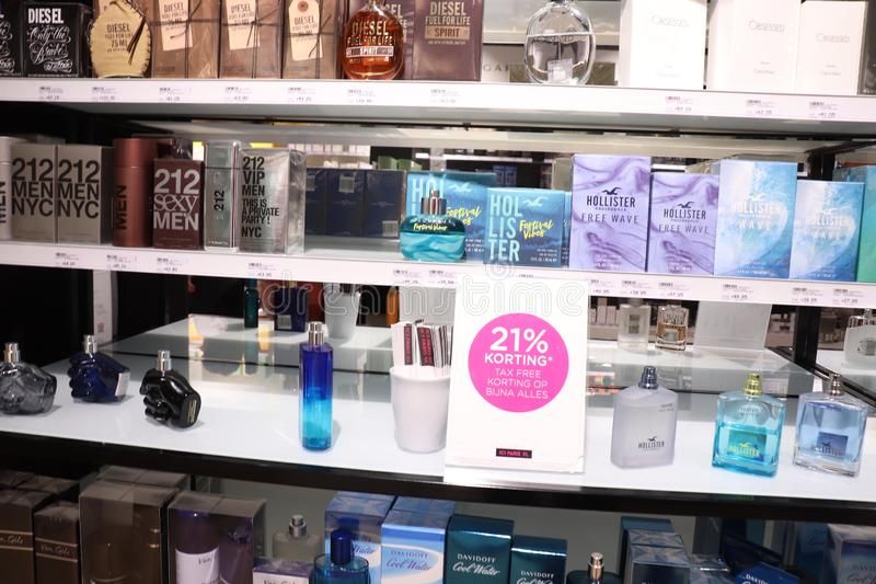 Haarlem, Pays-Bas - 8 juillet 2018 : Les parfums des hommes image stock