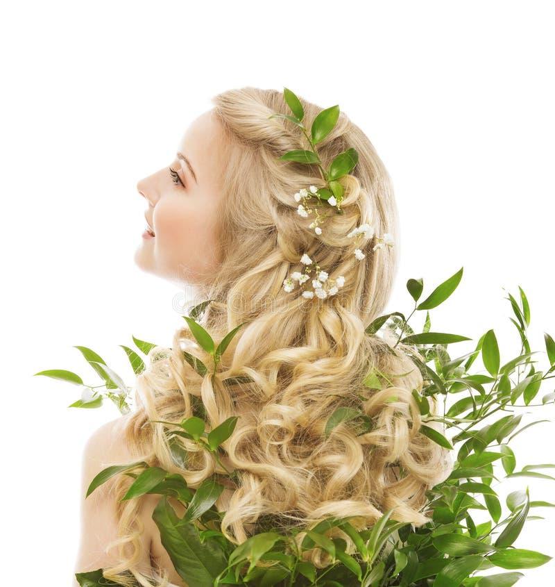 Haarpflege, Frauen-langes Haar und organische Blätter, vorbildliches Rear View lizenzfreies stockfoto