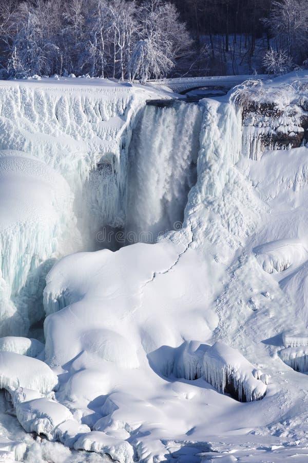 Habillage de glace des chutes du Niagara, hiver de 2015 images libres de droits